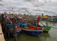 Fargerike båter